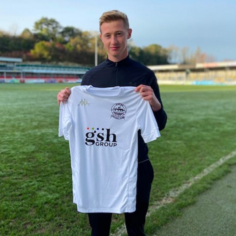 Hanson joins Dover on loan
